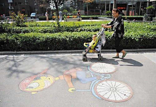 道路艺术井盖案例
